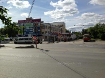 На фото видно: Машиностроителей улица, 29; Машиностроителей улица, 31Г. Екатеринбург (Свердловская область)