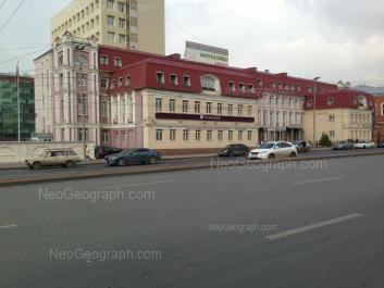 View to: Karla Libknekhta street, 5 (Дом контор Строгоновъ). Yekaterinburg (Sverdlovskaya oblast)