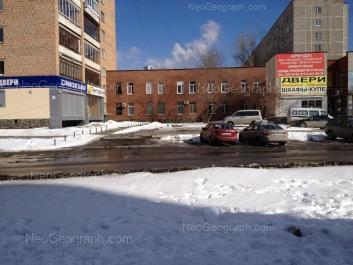 View to: Belorechenskaya street, 10; Belorechenskaya street, 10. Yekaterinburg (Sverdlovskaya oblast)