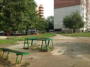 На фото видно: Старых Большевиков улица, 54А; Старых Большевиков улица, 56. Екатеринбург (Свердловская область)