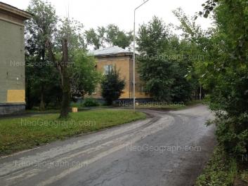 На фото видно: Ломоносова улица, 12. Екатеринбург (Свердловская область)