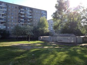 На фото видно: Амундсена улица, 70; Решетникова проезд, 7. Екатеринбург (Свердловская область)