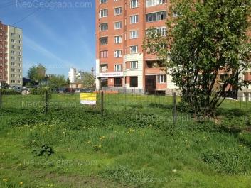 На фото видно: Бисертская улица, 27; Бисертская улица, 29. Екатеринбург (Свердловская область)