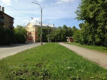View to: Suvorovskiy lane, 1; Suvorovskiy lane, 2 (Зоомагазин В мире животных); 40-letiya Oktiabrya street, 3; 40-letiya Oktiabrya street, 6. Yekaterinburg (Sverdlovskaya oblast)