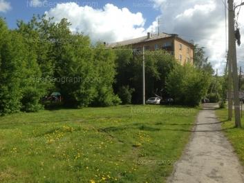 На фото видно: Машиностроителей улица, 51; Машиностроителей улица, 55. Екатеринбург (Свердловская область)