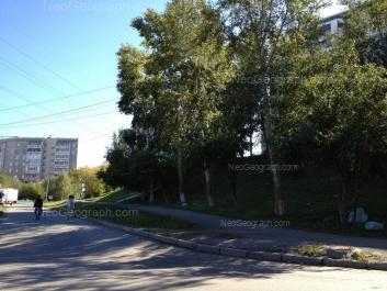 На фото видно: Есенина бульвар, 3; Есенина бульвар, 5; Анны Бычковой улица, 18. Екатеринбург (Свердловская область)