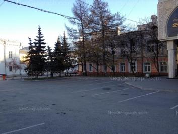 На фото видно: Добролюбова улица, 2Д; Чернышевского улица, 1; Чернышевского улица, 2. Екатеринбург (Свердловская область)