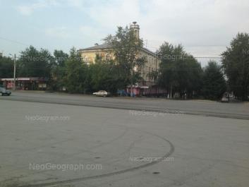 На фото видно: Старых Большевиков улица, 25. Екатеринбург (Свердловская область)