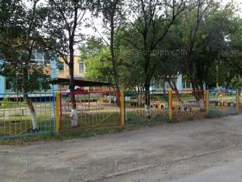 На фото видно: Заводская улица, 32А (Детский сад №5). Екатеринбург (Свердловская область)