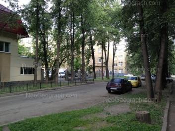 На фото видно: Орджоникидзе проспект, 8; Краснознамённая улица, 5. Екатеринбург (Свердловская область)