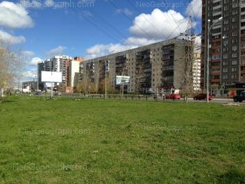 На фото видно: Таватуйская улица, 2; Таватуйская улица, 4; Таватуйская улица, 8. Екатеринбург (Свердловская область)