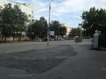 На фото видно: 8 Марта улица, 1; 8 Марта улица, 3; 8 Марта улица, 5. Екатеринбург (Свердловская область)