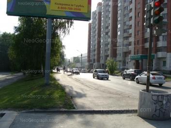 На фото видно: Большакова улица, 109; Большакова улица, 111. Екатеринбург (Свердловская область)