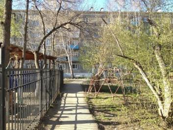 На фото видно: Посадская улица, 40/2. Екатеринбург (Свердловская область)