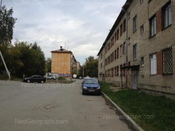 На фото видно: Гурзуфская улица, 25А; Пальмиро Тольятти улица, 26А/1 (Речевой центр психолого-медико-социального сопровождения). Екатеринбург (Свердловская область)