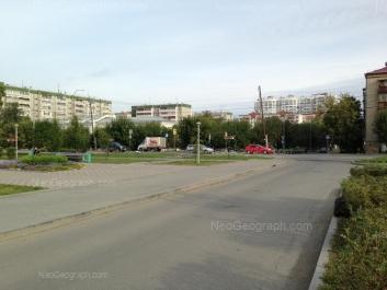 На фото видно: Татищева улица, 78 (Специальная коррекционная школа №73); Татищева улица, 82. Екатеринбург (Свердловская область)