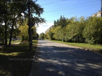 На фото видно: Индустрии улица, 57/1; Коммунистическая улица, 4; Новаторов улица, 3. Екатеринбург (Свердловская область)