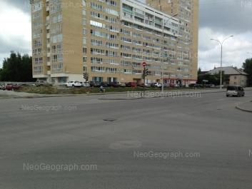 View to: Osoaviakhima lane, 100; Bakinskikh Komissarov street, 113. Yekaterinburg (Sverdlovskaya oblast)