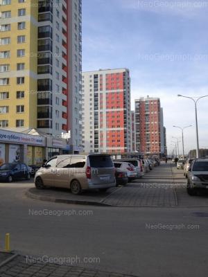 На фото видно: Краснолесья улица, 109А; Краснолесья улица, 109; Краснолесья улица, 111; Краснолесья улица, 123. Екатеринбург (Свердловская область)