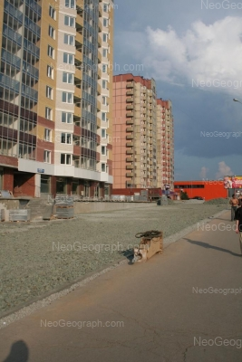 На фото видно: Блюхера улица, 39 (ТЦ Аида); Уральская улица, 75; Уральская улица, 77. Екатеринбург (Свердловская область)