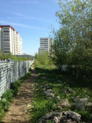 На фото видно: Бисертская улица, 16 к1; Бисертская улица, 16 к3. Екатеринбург (Свердловская область)