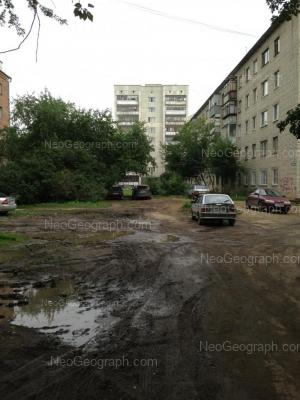 На фото видно: Космонавтов проспект, 80 к3; Космонавтов проспект, 80 к6. Екатеринбург (Свердловская область)