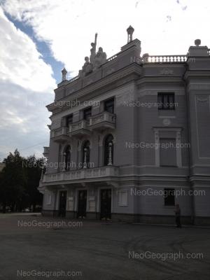 View to: Lenina avenue, 46А (Театр оперы и балета); Mamina-Sibiriaka street, 141. Yekaterinburg (Sverdlovskaya oblast)