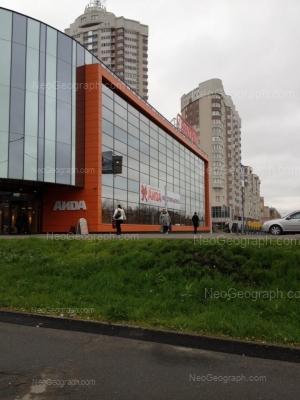На фото видно: Блюхера улица, 39 (ТЦ Аида); Блюхера улица, 41; Блюхера улица, 45. Екатеринбург (Свердловская область)