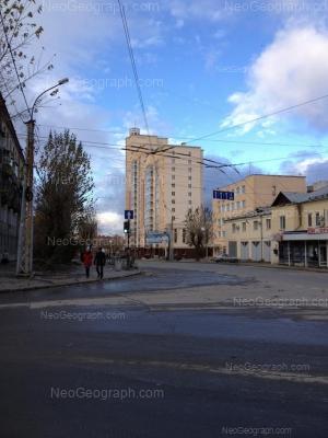 На фото видно: Белинского улица, 111 (Победа, жилой комплекс); Белинского улица, 115А. Екатеринбург (Свердловская область)