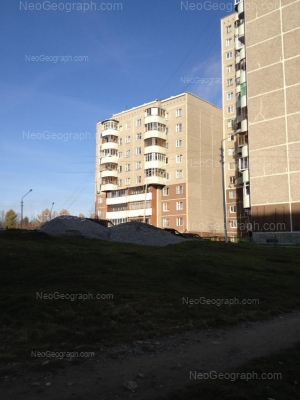 На фото видно: 8 Марта улица, 185/1; 8 Марта улица, 185/2; 8 Марта улица, 185/3. Екатеринбург (Свердловская область)