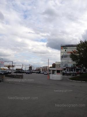 На фото видно: Восточная улица, 7Г (Восточный, торговый центр). Екатеринбург (Свердловская область)
