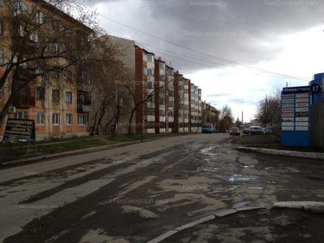 Адрес(а) на фотографии: улица Миномётчиков, 36, 40, 42, Екатеринбург