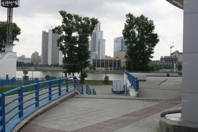 Адрес(а) на фотографии: улица Ерёмина, 10, Екатеринбург
