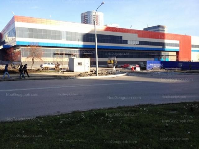 Адрес(а) на фотографии: улица Академика Шварца, 1, Екатеринбург