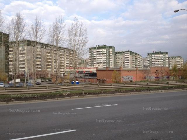 Address(es) on photo: Krestinskogo street, 51, 52, Yekaterinburg