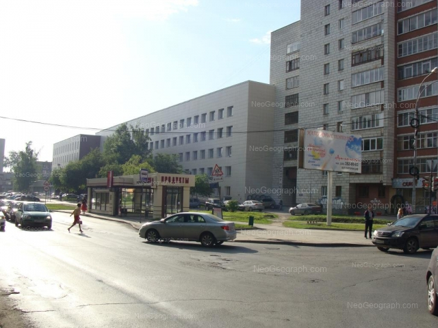 Адрес(а) на фотографии: улица Большакова, 105, 107, Екатеринбург