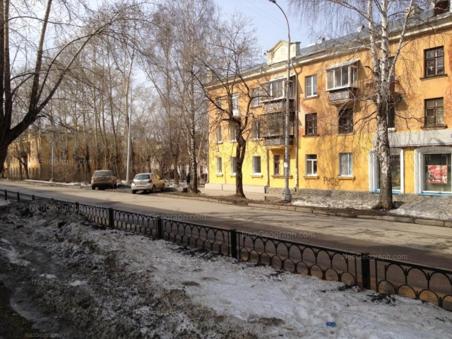 Адрес(а) на фотографии: улица Краснофлотцев, 1А, 1Г, Екатеринбург