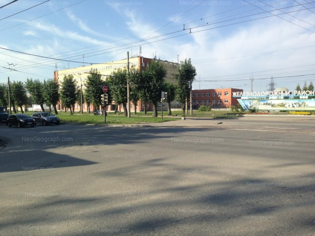 Адрес(а) на фотографии: проспект Космонавтов, 17А, 17б, Екатеринбург