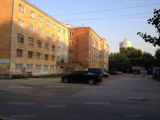 Адрес(а) на фотографии: Комсомольская улица, 70, 74, Екатеринбург