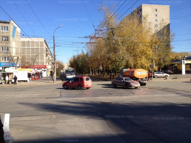 Адрес(а) на фотографии: улица Ильича, 48, 59, 61, Екатеринбург