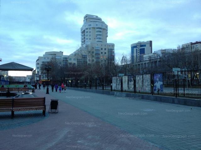 Адрес(а) на фотографии: улица Вайнера, 54, 60, Екатеринбург