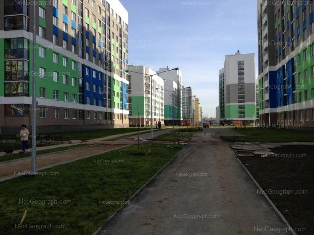 Адрес(а) на фотографии: улица Вильгельма де Геннина, 32, 36, 40, Екатеринбург