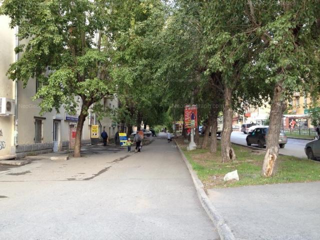 Адрес(а) на фотографии: улица Краснофлотцев, 1, 4, Екатеринбург
