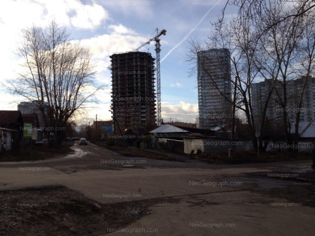Адрес(а) на фотографии: Самолётная улица, 23, 48А, 48Б, Екатеринбург