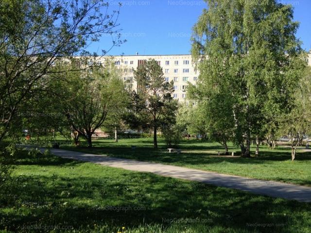 Адрес(а) на фотографии: улица Академика Бардина, 49, Екатеринбург