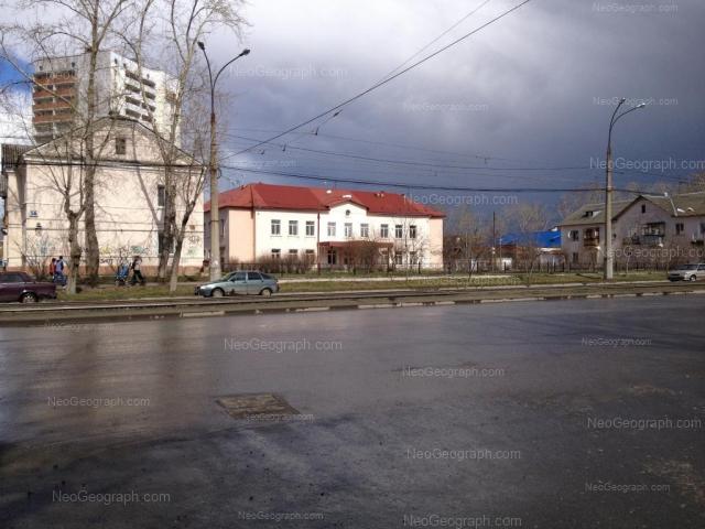 Адрес(а) на фотографии: Техническая улица, 52, 52а, 54, 56, Екатеринбург