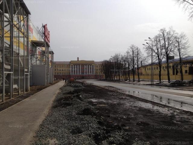 Address(es) on photo: Frontovikh Brigad street, 15/28, 18, Yekaterinburg