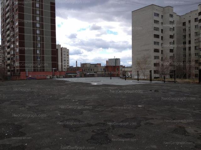 Адрес(а) на фотографии: улица Бебеля, 114, 116, 118, 120, Екатеринбург