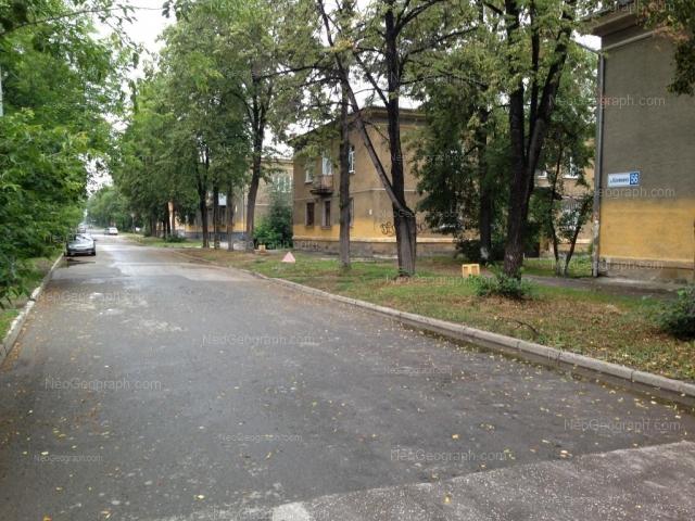 Адрес(а) на фотографии: улица Калинина, 58, 60, Екатеринбург