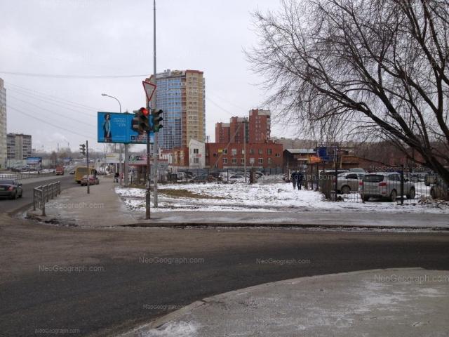 Адрес(а) на фотографии: улица Готвальда, 12А, 14, 14а, 16, 18, Екатеринбург